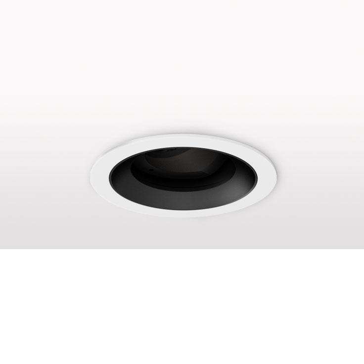 Minimo 16 | Adjustable | Flat Bezel