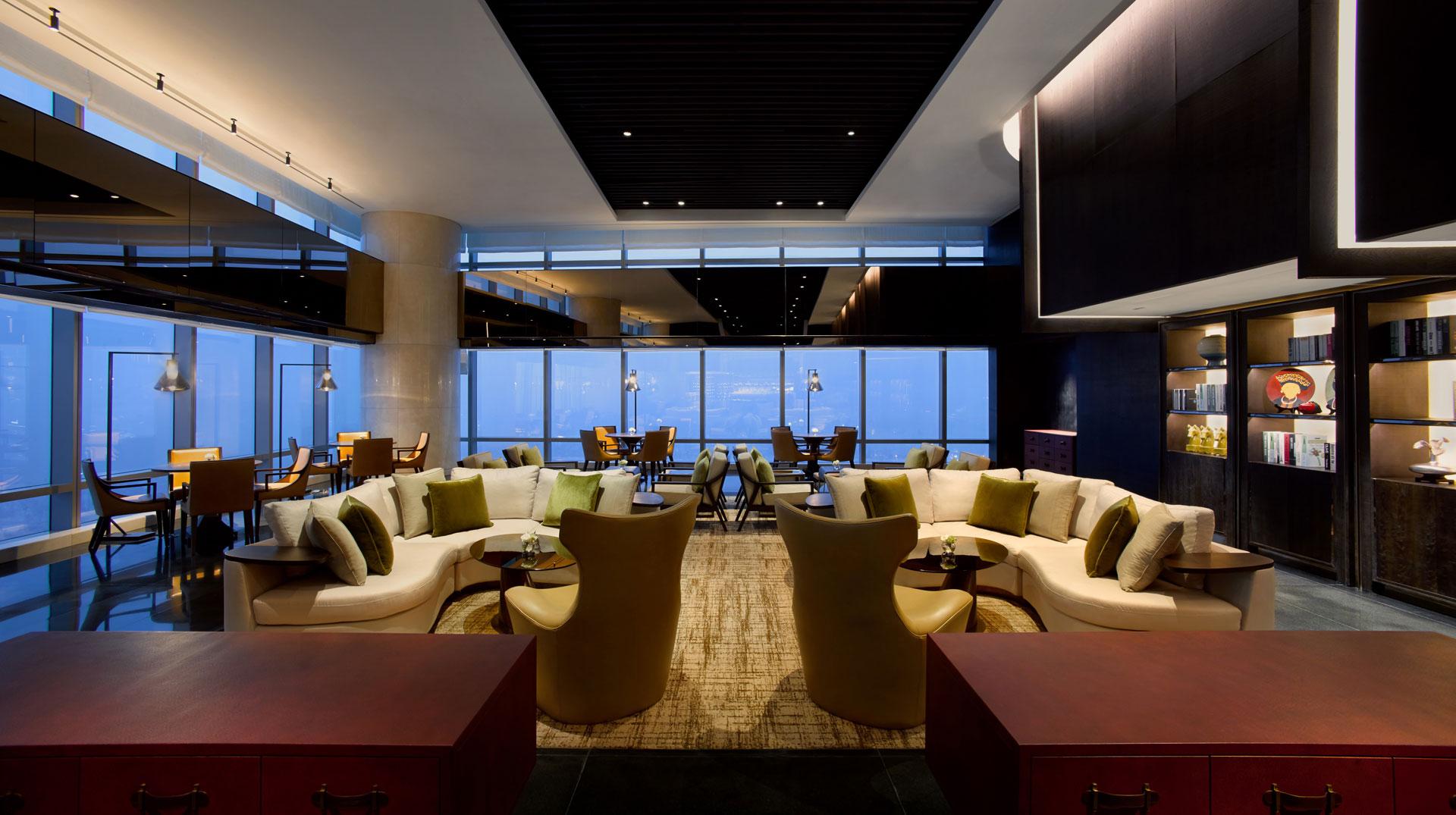 the-lounge-sky-2.jpg