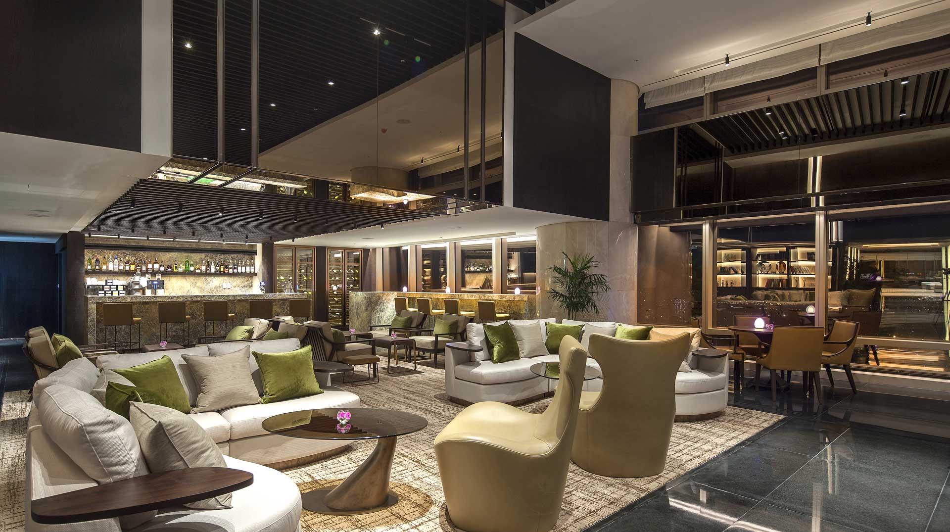the-lounge-sky-3.jpg