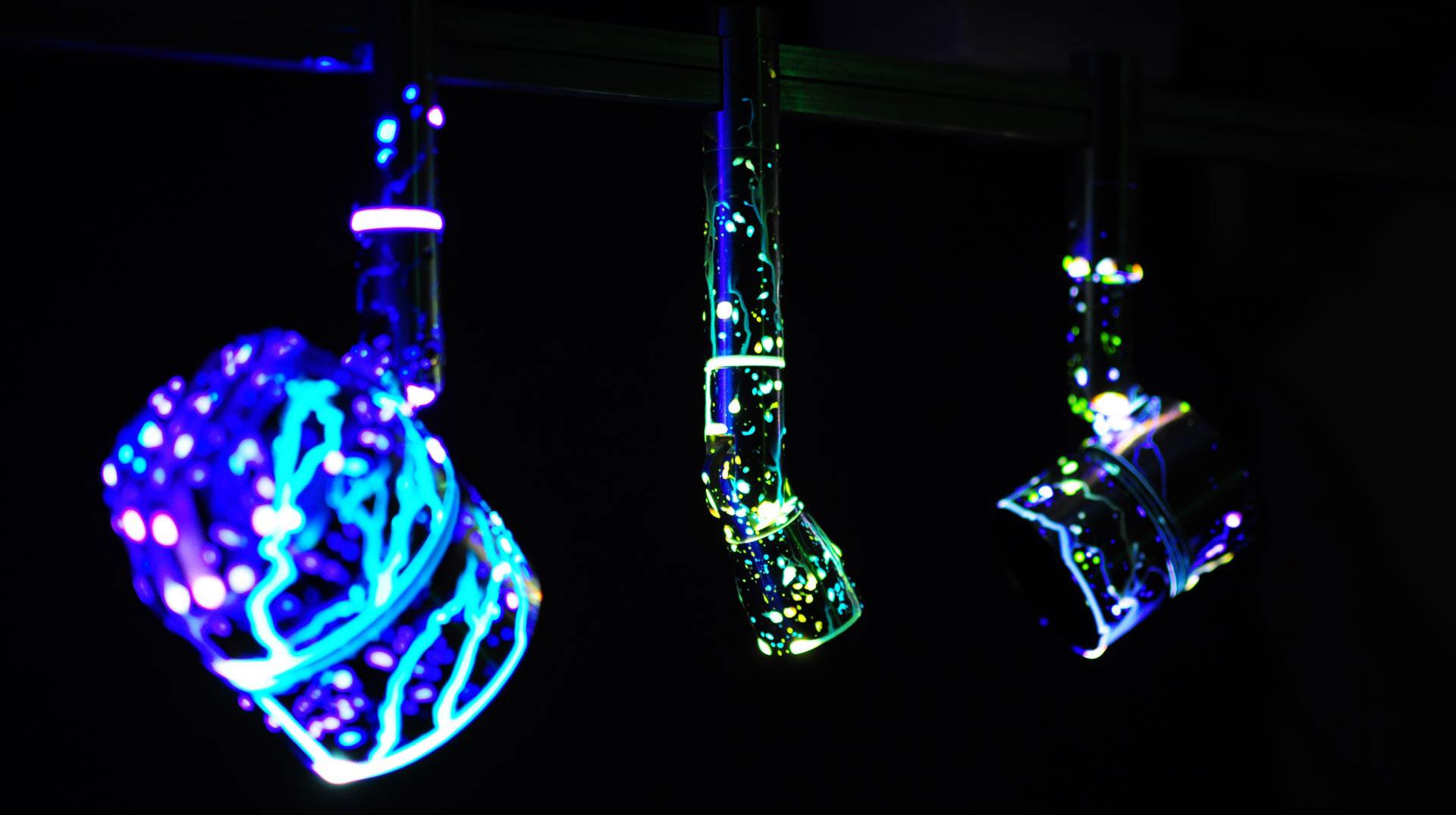 glowtsicks2.jpg